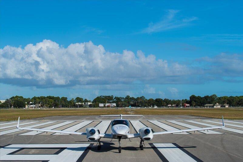 DA42 take off